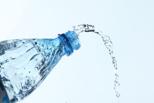 drop--bottiglia-di-plastica--bottiglie--acqua_3243266